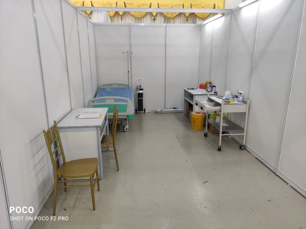 Behind the screen  Do you know there's a sick bay in every PPV? A sick bay is prepared for any emergencies. If needed, the patient will be sent to the hospital in the ambulance on standby. 🚑
